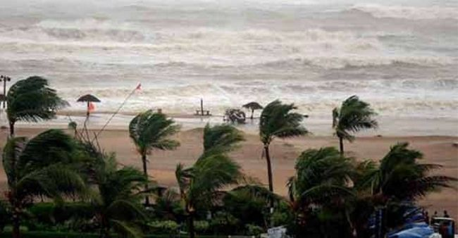 Year's first cyclone likely to hit the Western Coast this weekend, Gujarat issues warnings
