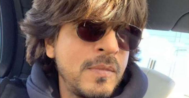 Shahrukh Khan posts a photo after long, says its time to get back to work