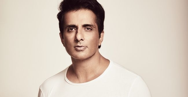 Sonu Sood continues his work amidst the pandemic, will donate 18 oxygen plants to the country